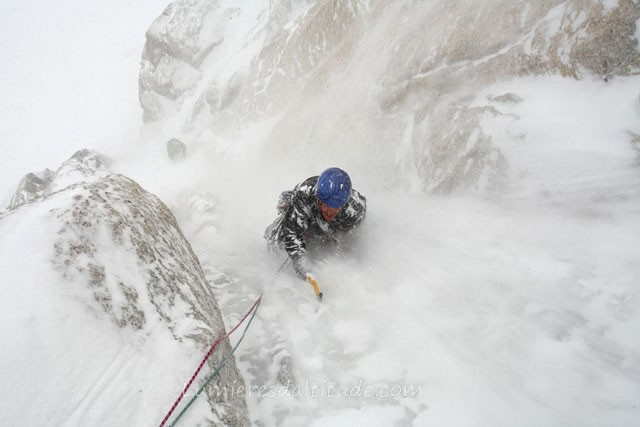 ICE CLIMBING ON THE LAFAILLE COULOIR, MASSIF OF MONT-BLANC, HAUTE-SAVOIE, FRANCE