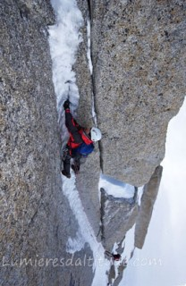 ICE CLIMBING ON THE PERROUS GULLY, MONT-BLANC, HAUTE6sAVOIE, FRANCE