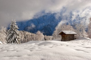 CHALET IN WINTER, CHAMONIX, HAUTE SAVOIE, FRANCE