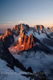 SUNRISE ON THE AIGUILLE VERTE, MASSIF DU MONT-BLANC, HAUTE SAVOIE, FRANCE