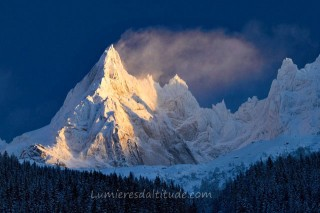SUNRISE ON THEAIGUILLE DE BLAITIERE, MASSIF DU MONT-BLANC, HAUTE SAVOIE, FRANCE