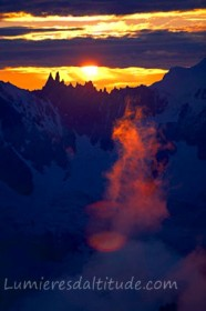 SUNRISE ON THE AIGUILLES RAVANEL AND MUMERY, MASSIF DU MONT-BLANC, HAUTE SAVOIE, FRANCE
