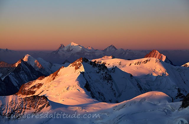 Le Weisshorn a l'aube