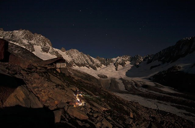 Night walk starting from the Couvercle refuge
